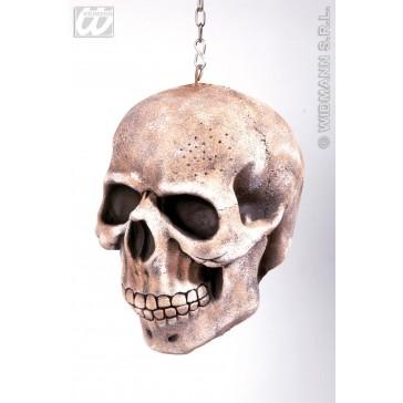 hangende schedel met ketting